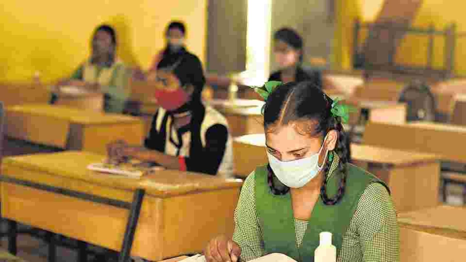 UP schools to reopen for students of Classes 6 to 8 from today. 10 points |  Hindustan Times