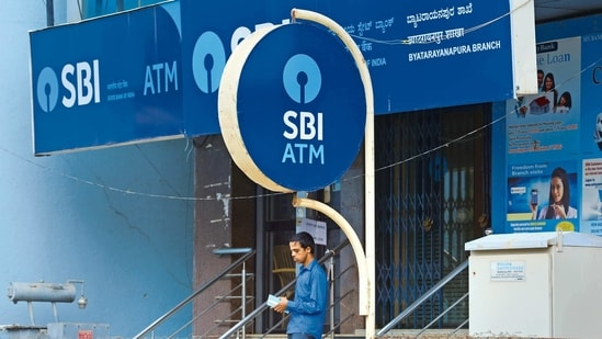 The SBI is looking at achieving a home loan AUM of <span class='webrupee'>₹</span>7 trillion by FY 2024.(Mint)