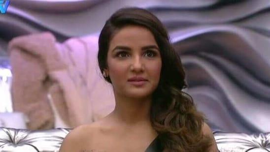 Bigg Boss 14 promo: Jasmin Bhasin calls Rubina Dilaik 'ugly woman from top to toe', Aly Goni yells at Rubina and Paras - Hindustan Times