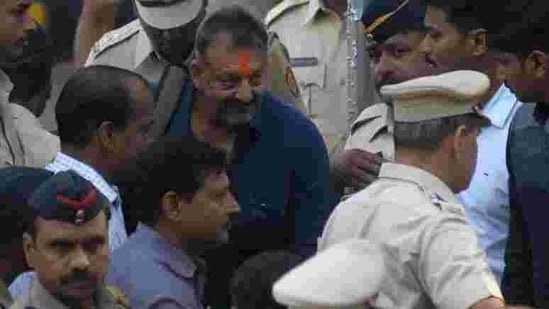 Sanjay Dutt comes out from Khar Police station in Mumbai.(Hindustan Times)