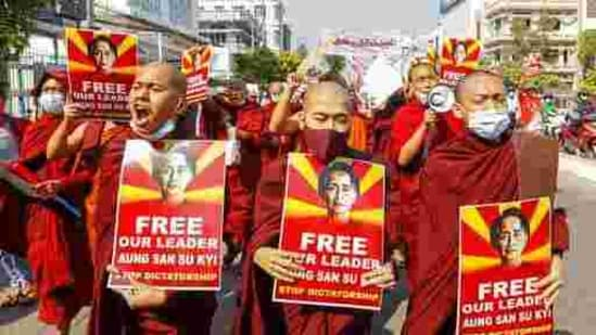 Anger over arrests in Myanmar at anti-coup protests - News Chant