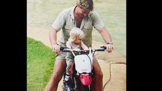 The image shows Steve Irwin riding his motorcycle.(Twitter/@robert irwin)