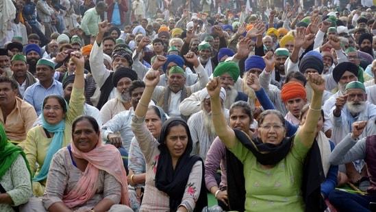 Farmers protesting against the three farm laws at Ghazipur border