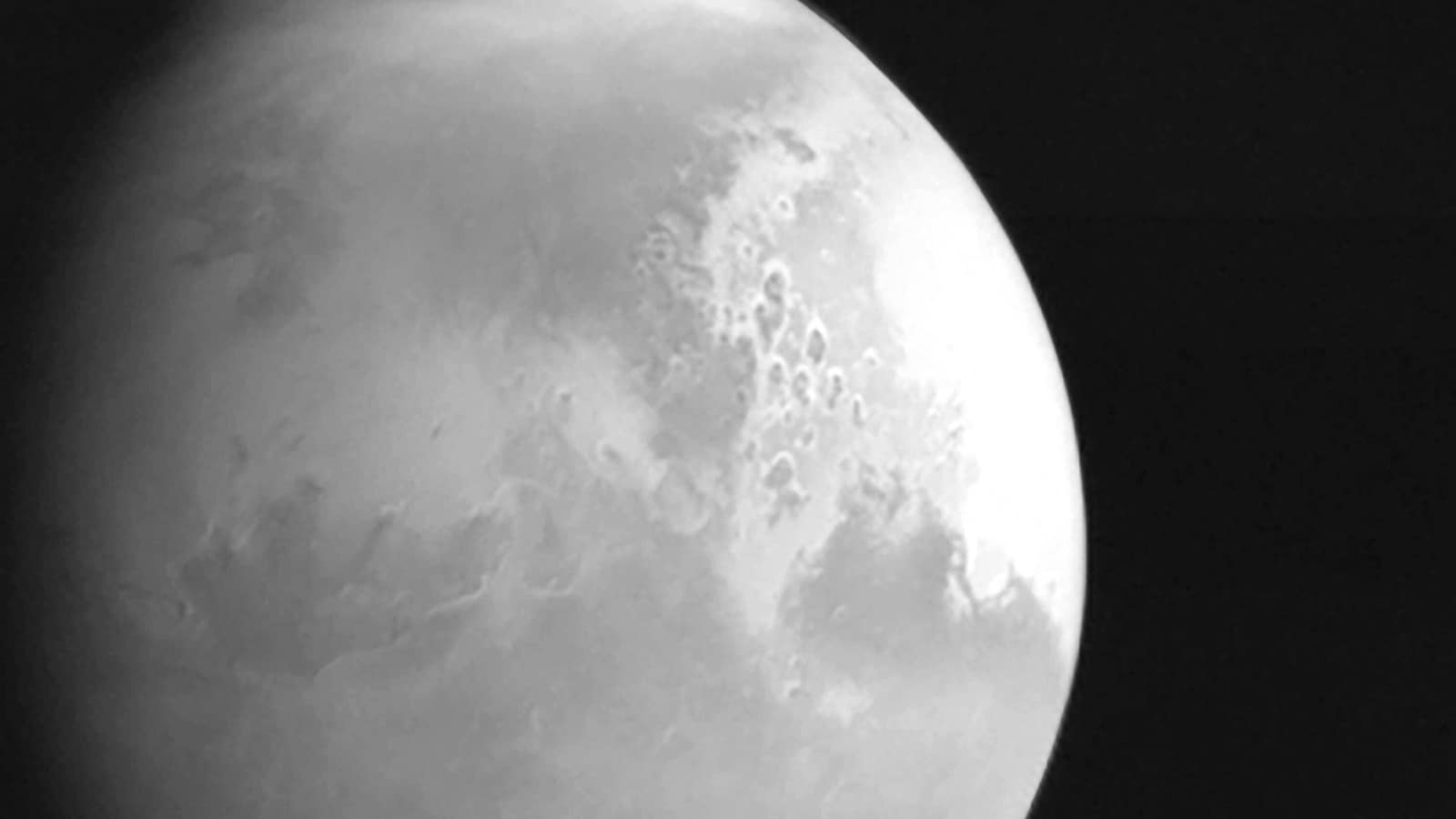 China's Mars probe sends back video of Red Planet - Hindustan Times