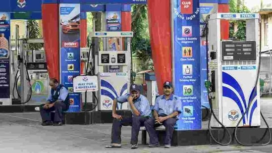 The prices of petrol and diesel have been increasing for a week.(Representative Photo/HT)