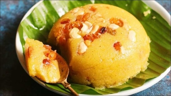 Recipe: Whip up Kesari Sheera, a superb semolina dessert, this Vasant Panchami(Twitter/indiainmedan)