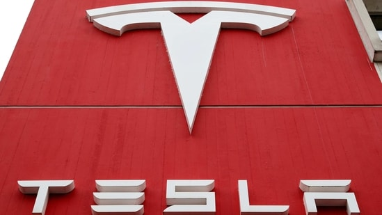 Elon Musk's Tesla hits mute on Yediyurappa announcing its entry into India - Hindustan Times