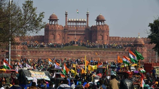 Demonstrators at Red Fort during the farmers' tractor rally on Republic Day, in New Delhi. (HT Photo)