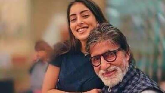 Navya Naveli Nanda poses with her grandfather, Amitabh Bachchan.