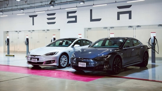 An essential element of the climate potential of electric vehicles is that they're able to switch to lower-carbon fuels over the course of their lifetimes.(Mint file photo)