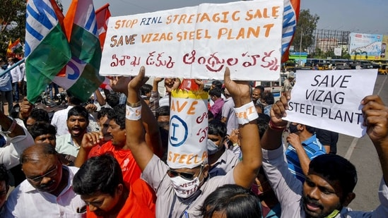 Visakhapatnam: Vizag Steel Plant employees and trade union members have been protesting against the central government's decision of privatization of the Rashtriya Ispat Nigam Limited (RINL), in Visakhapatnam.(PTI)