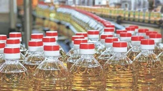 Even though food inflation has fallen sharply in the last three months, inflation in edible oils continues to stay high.(Representational)