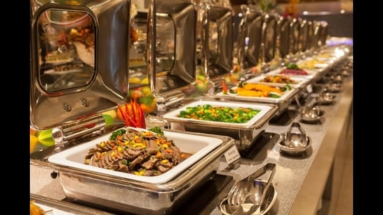 Are food buffets dying in the city? (Shutterstock)
