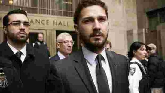 Shia LaBeouf exits the Manhattan Criminal Courthouse following an appearance in New York, March 20, 2015.(Reuters)