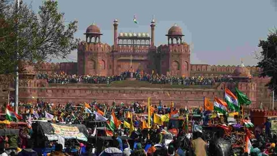 Demonstrators at Red Fort during the farmers' tractor rally on January 26, in New Delhi.(HT Photo)