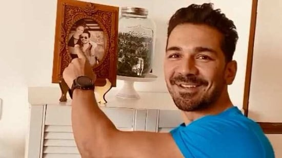 Abhinav Shukla has shared a Pawri hori Hai video to support Rubina Dilaik ahead of Bigg Boss 14 finale.