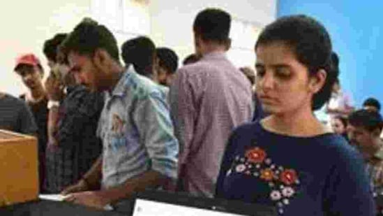 As per the earlier schedule, the education department had planned to open registrations on the online admission portal from February 9.(HT PHOTO/ REPRESENTATIVE PHOTO)
