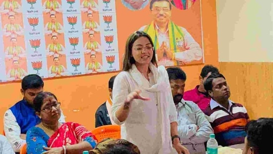 The BJP's Bengal spokesperson said that Pamela Goswami may have been framed.(pamela.goswami.5/Facebook Photo )