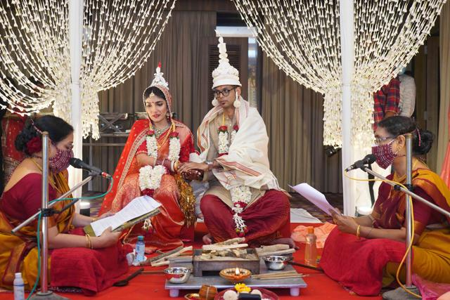 Delhi-based teacher Anshu Mukherjee's marriage was conducted by Shubhamastu (a collective of priestesses) led by Nandini Bhowmik.