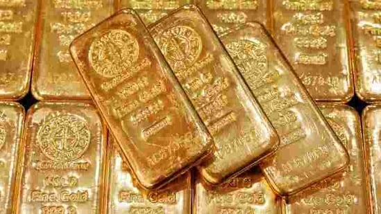 The increase in the prices of the precious metals come on the back of a weaker dollar that is releasing the pressure of peaking US Treasury yields.(Reuters)