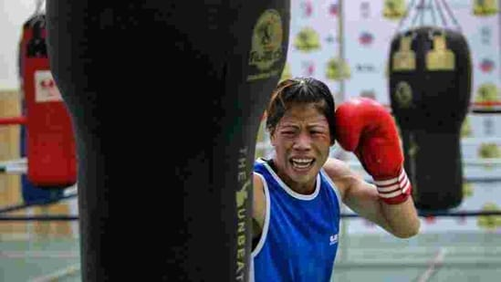 MC Mary Kom punches a bag during a training session at Balewadi Stadium in Pune.(REUTERS)