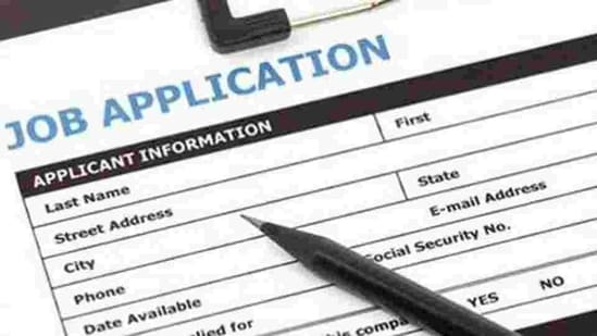 IBPS PO vacancy: Candidates applying for the exam must be a graduate from a recognised university or should have an equivalent qualification which is recognised by the government.(Shutterstock)