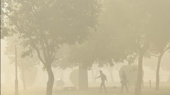 A view from Rajpath on a hazy morning, near India Gate in New Delhi. (HT file)
