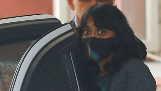 Disha Ravi, a 22-year-old climate activist, leaves after an investigation at National Cyber Forensic Lab, in New Delhi, India, February 23, 2021. REUTERS/Adnan Abidi(REUTERS)