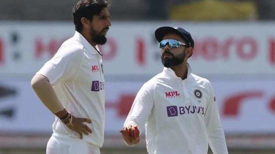 Indian pacer Ishant Sharma (L), captain Virat Kohli (R)(Twitter)