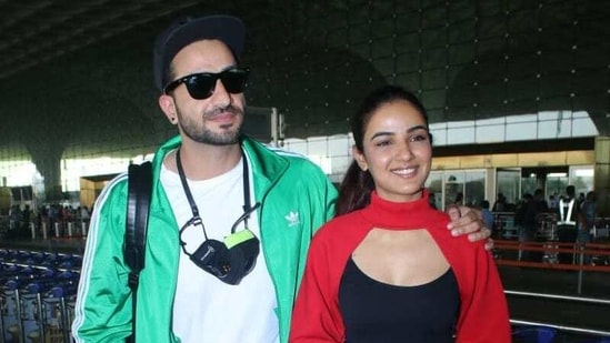 Aly Goni and Jasmin Bhasin spotted at the aiport.(Varinder Chawla)