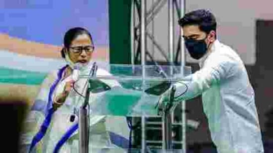The CBI had on Sunday visited the residence of Abhishek Banerjee to serve notice to his wife for questioning. (AP PHOTO).