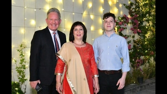 Andrew Ayre, the outgoing UK deputy high commissioner in Chandigarh , with wife Bettina and son Tobias. (HT Photo)
