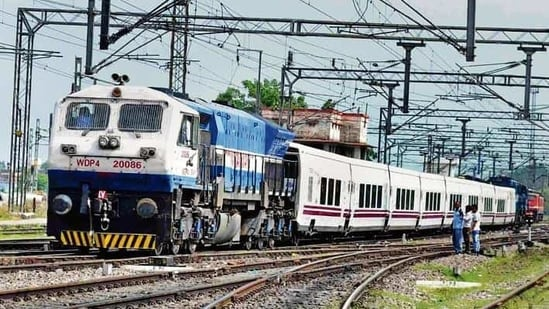 The frequency of Indore-Daund Special Baram Barata train (train number 02944/43) has been increased from three days a week to six days a week(HT File Photo)