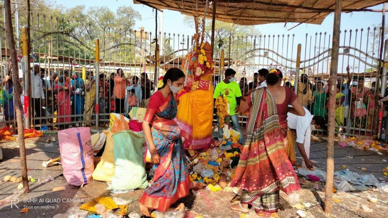 Amid Covid-19 fears, thousands throng Telangana's Sammakka-Saralamma festival