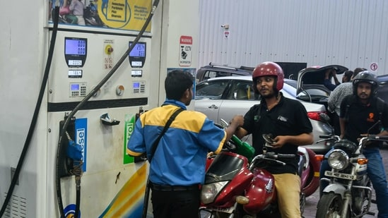 As petrol price hits ₹100 in India, here's where it is selling below ₹30    Hindustan Times