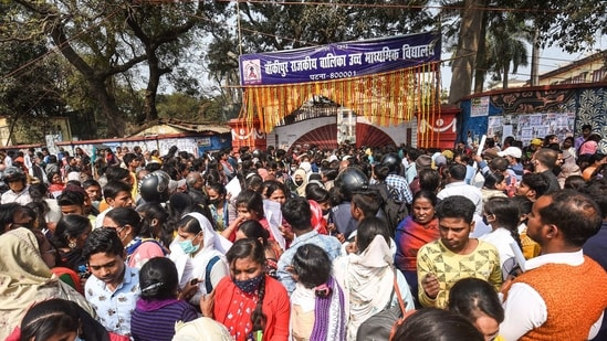 More than 16.84 lakh examinees appeared in Bihar board matric exams at 1,525 examination centres set up in 38 districts across the state.(PTI file)
