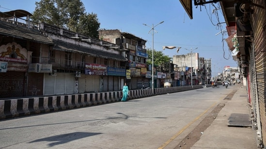 Akola: City streets wear a deserted look after the administration announced complete restrictions citing an increase in COVID-19 cases, in Akola, Tuesday, Feb. 23, 2021.(PTI Photo)(PTI02_23_2021_000154B)(PTI)