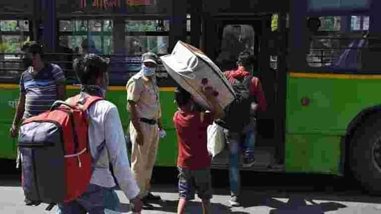 Delhi currently has around 6,750 buses -- 3,760 DTC and 2,990 cluster buses-- as against the Supreme Court-mandated requirement of 11,000 buses.(Raj K Raj/HT file photo)