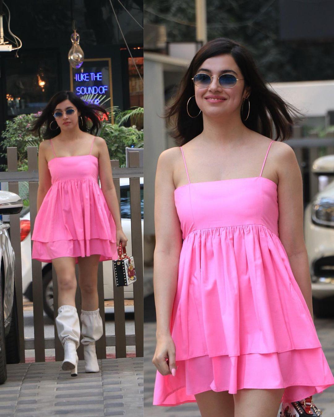 Divya Khosla Kumar opts for a bubblepink summer dress (Photo: Instagram / DivyaKhoslaKumar)