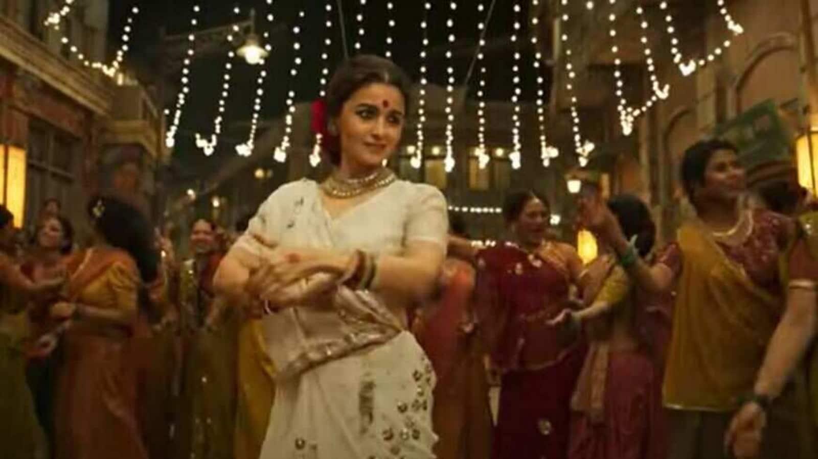 Gangubai Kathiawadi: Alia Bhatt wins praise, SS Rajamouli calls it 'impressive', Ram Charan says 'great screen presence' - Hindustan Times