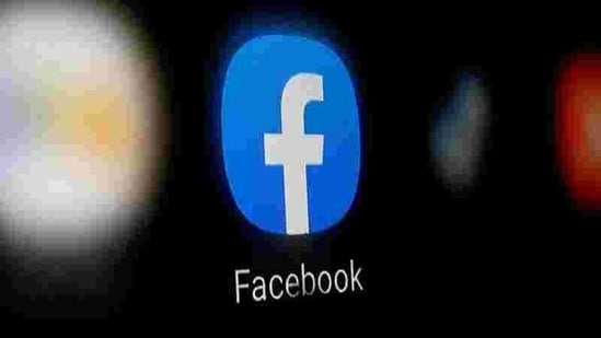 A Facebook logo is displayed on a smartphone. Facebook had cut off news in Australia last week amid tense negotiations with the government.(Reuters / Representative image)
