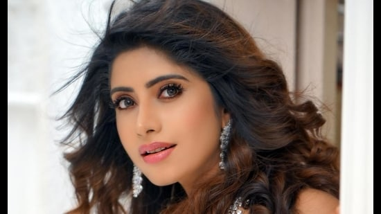 Varanasi-girl Vindhya Tiwary recently shot for 'Game of the Sexes' in Moradabad. (Sourced photo)