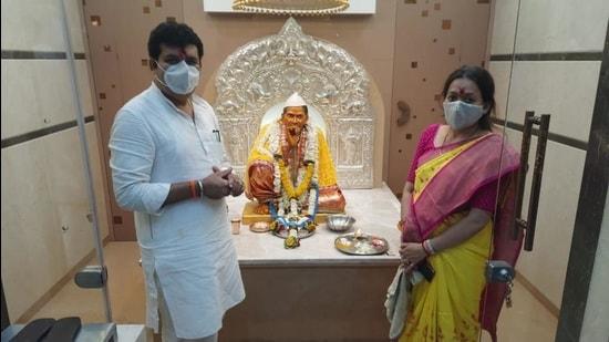 Sena minister Sanjay Rathod at Pohradevi temple. (HT FILE)
