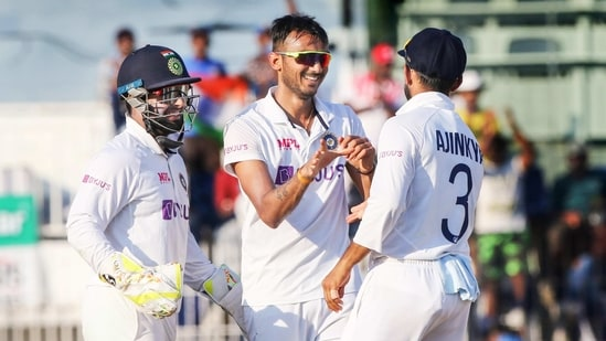 India's Axar Patel celebrates a wicket with teammates during the 4th day of the second cricket test match between India and England, at M.A. Chidambaram Stadium.(PTI)