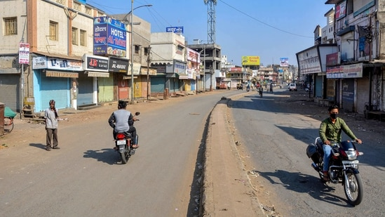 A deserted street in Amravati during its seven-day lockdown.(PTI)