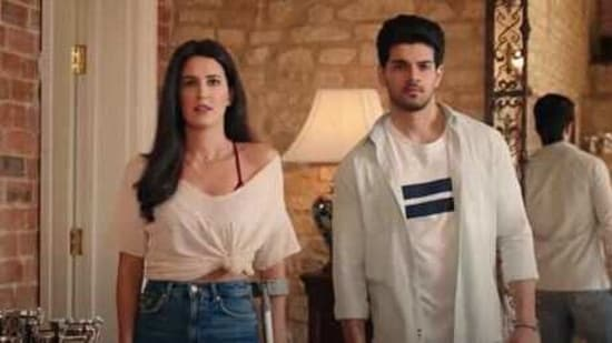 Time to Dance stars Isabelle Kaif and Sooraj Pancholi in lead roles.