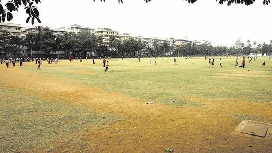 Oval Maidan. Thackeray slammed the BJP, saying it was a unanimous decision by the allies to approve the open spaces policy as the Sena did not enjoy a majority in the BMC.(HT)