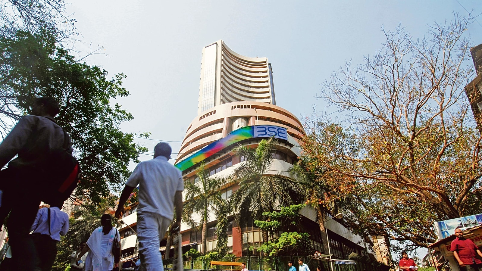 Sensex tanks 1,631 points to 49,407 in afternoon session; Nifty below 14,600 - Hindustan Times