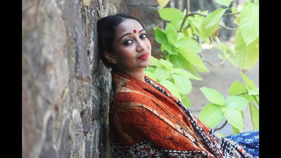 Author Sharanya Manivannan (Catriona Mitchell)
