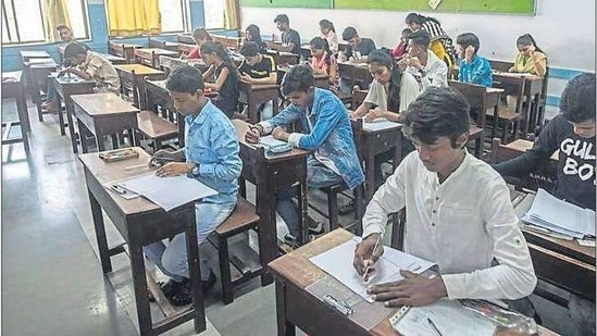 Students appear for the SSC exam at a Mahim school in March 2020. This year, the exams have been postponed to April amid the pandemic and the resultant lockdown. HT PHOTO